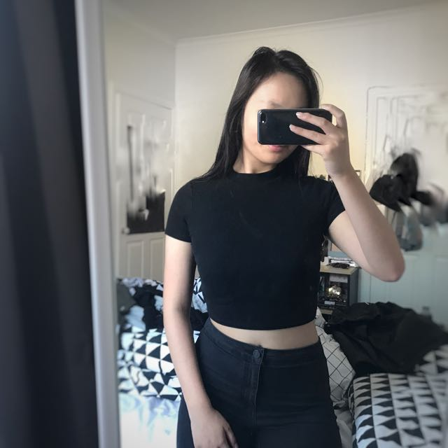 Black Ribbed Crop