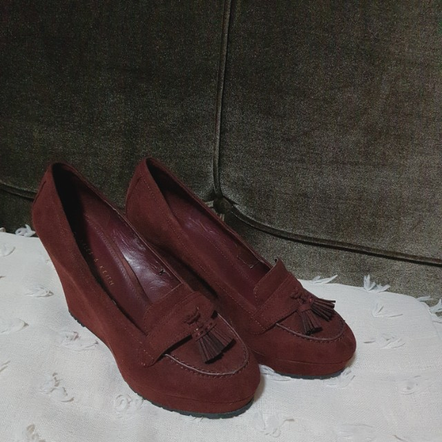 Charles & Keith wedges size 38