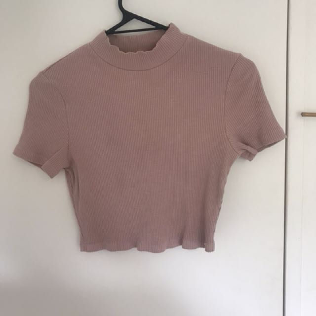 Cropped dusty pink top