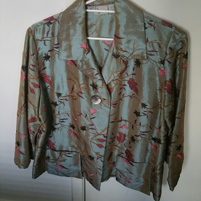 EXCLUSIVE DESIGNER LABEL, EMBROIDERED & GORGEOUS JACKETS RP$290