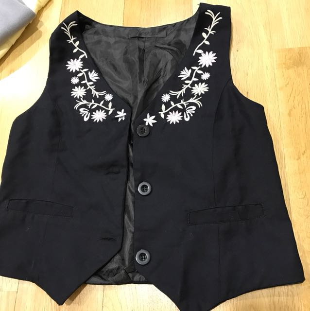 Floral Embroidery Black Vest