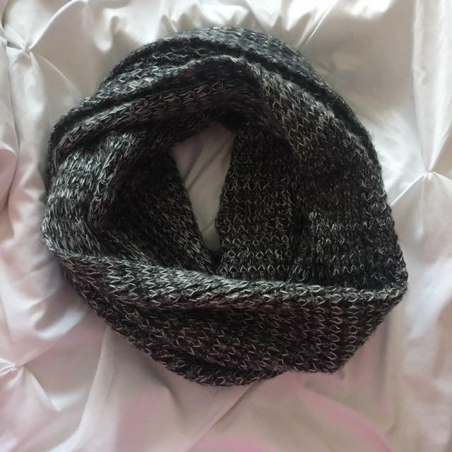 Garage infinity scarf (grey)