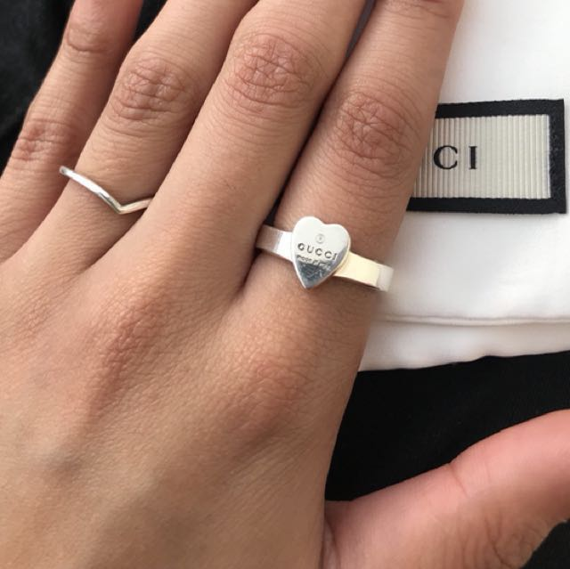 GUCCI HEART RING *authentic*