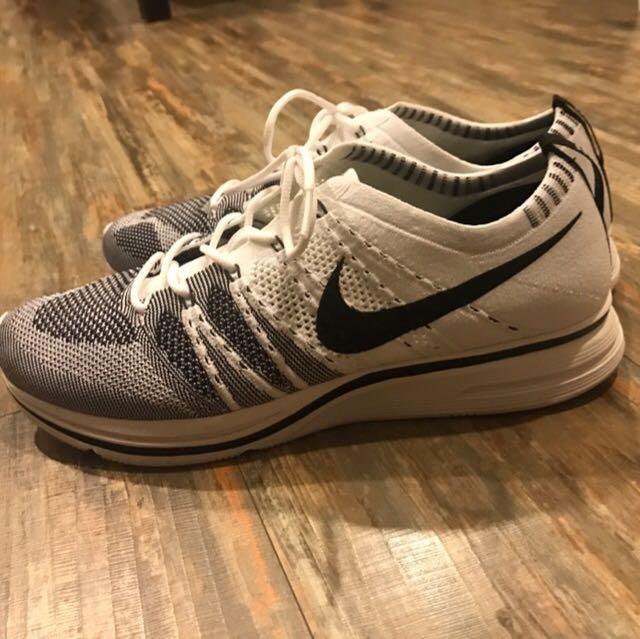Nike flyknit trainer 黑白配色