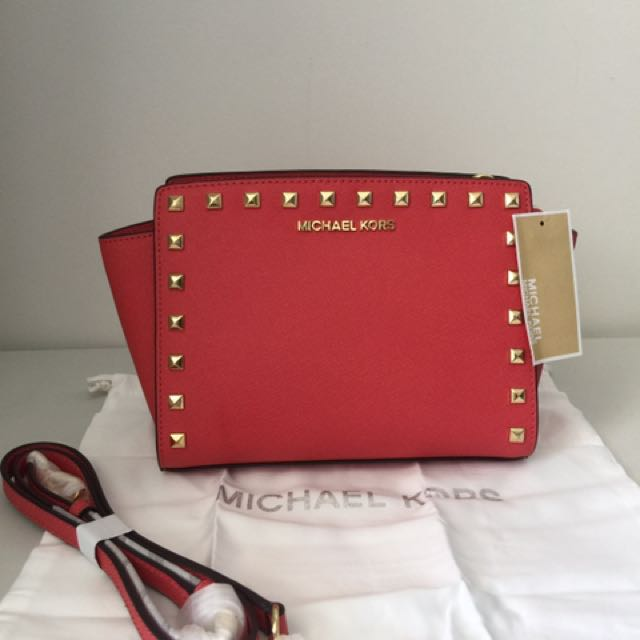 a577176e3629 NWT Authentic Michael Kors Medium Selma Stud Messenger - Watermelon ...