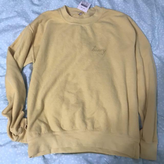 Nwt Brandy Melville Honey Erica Embroidery Sweatshirt Womens