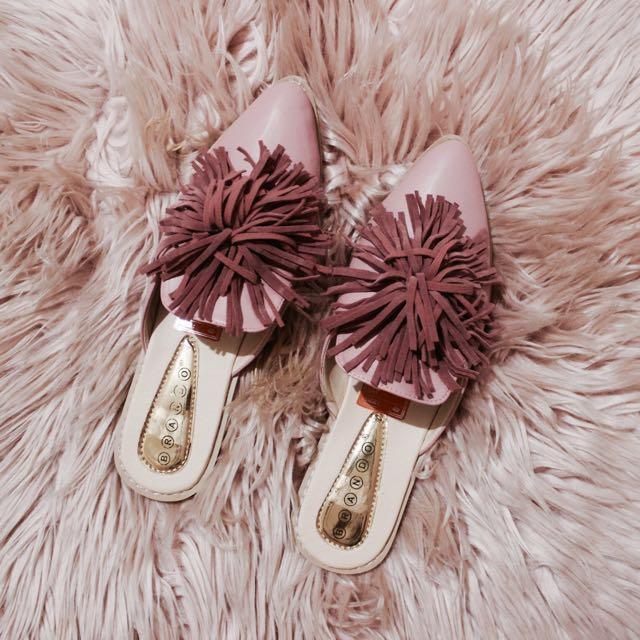 Pink Pom Pom Sandals / Slip-on