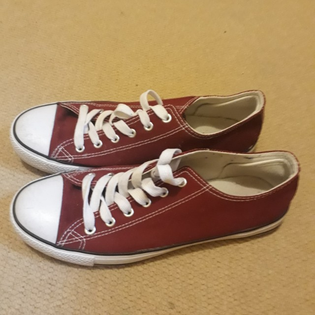 Red shoes Mock converse