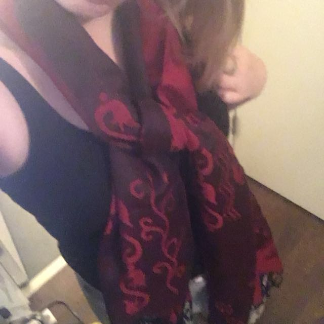 Reversible Peacock scarf stunning red