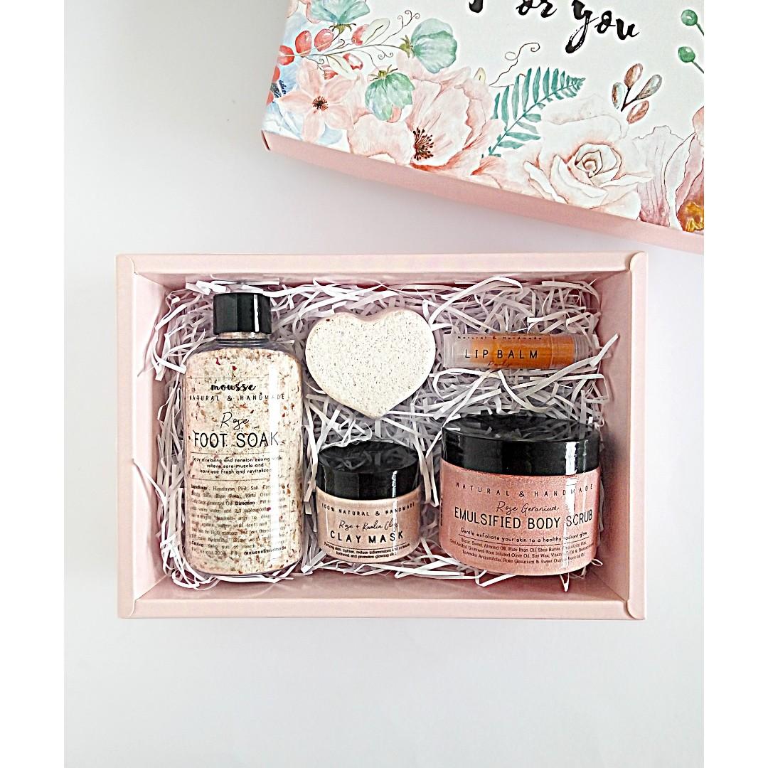 Rose Spa Gifts Set For Women Her Mom Birthday Gift Idea Girlfriend Best Friend Valentines