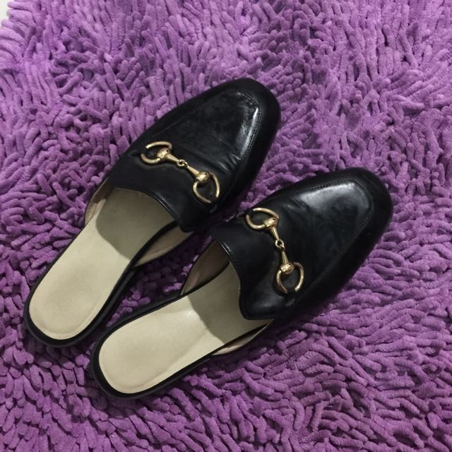 Slip shoes black