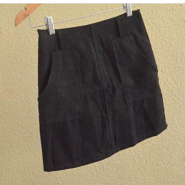 Suede hw skirt