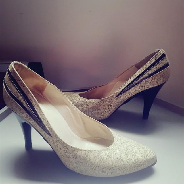 Vintage Christian Dior heels sz 5 1/2