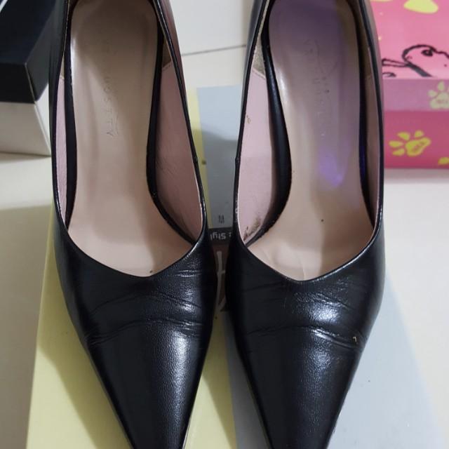 VIRTUOSITY黑色尖頭高跟鞋