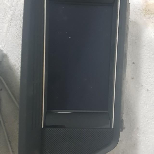 賓士W107原廠螢幕音響