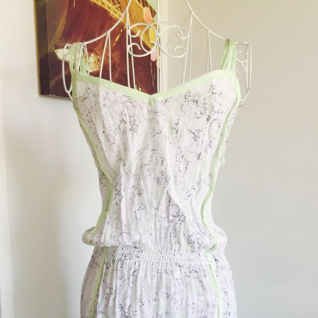 Witchery size M summer dress