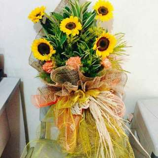 Bouquet for very speacial to u...flowers are imported..message me for more sample
