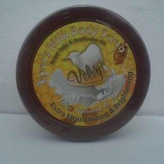 Goat's Milk Body Scrub Royal Jelly & Sunflower Oil