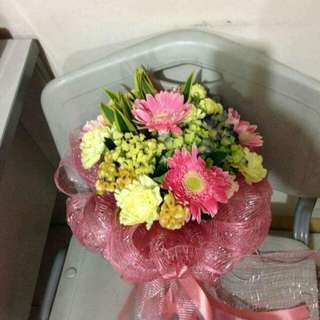 Bouquet message me for more pics..imported flower