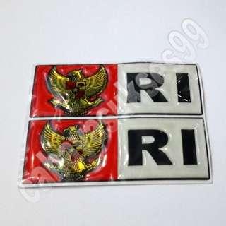 Sticker Timbul Merah Putih Garuda RI Segi 4 BESAR 9.8cm X 4cm Stiker Emblem Mobil Plastik Resin PAKET PROMOSI Satu Set 2pcs