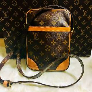 Authentic Vintage Louis Vuitton Danube Crossbody Bag Monogram Leather