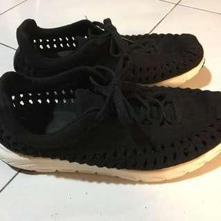 Nike Mayfly Black Suede