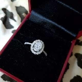 橢圓形 鑽石戒指 12號圈口 主石67份~碎石29份 大約 F色 高色