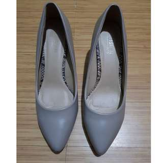 Parisian Plus Nude Shoes (Size 9.5)