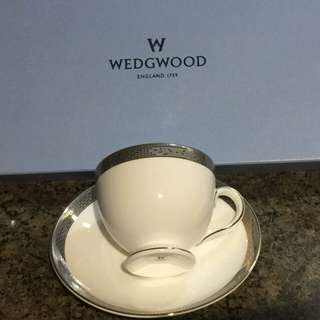 Bnib Wedgwood 2 sets of teacup & saucers