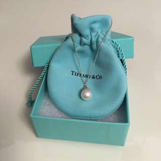 Tiffanys Pearl Pendant necklace