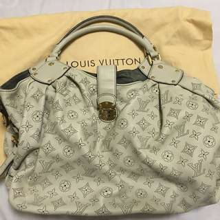Louis Vuitton Ivory Mahina Leather XL