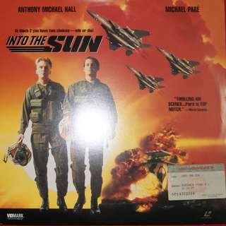 Laser Disc Movie - M05   Into The Sun
