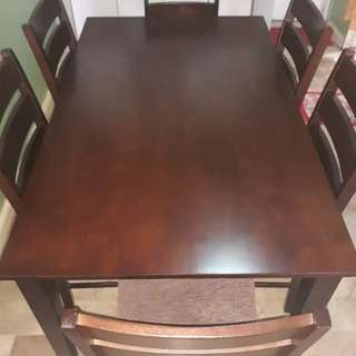Dinning table set (6seaters) made malaysian wood