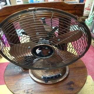 銅製舊風扇正常運作