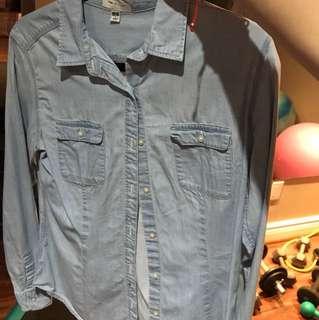 Uni Qlo shirt