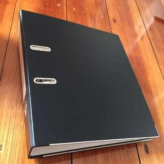 New 2 D-ring black folder