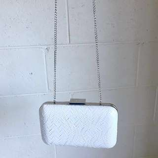 Olga Berg Clutch Chain White