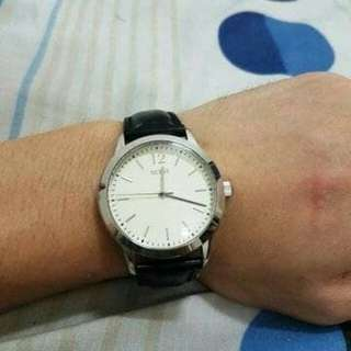 Guess rounded white dial original not gc seiko tissot alexander casio