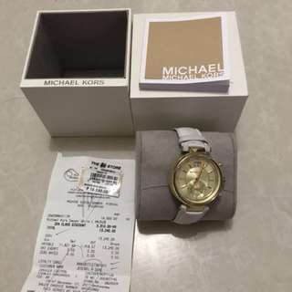 Michael Kors 1month used with receipt