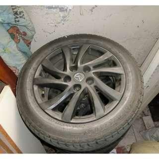 MAZDA 馬自達3 原廠二手輪胎+二手輪框 用不到一年很新