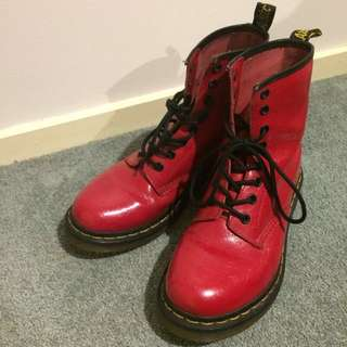 Doc Martens 1460 Red Floral Embossed