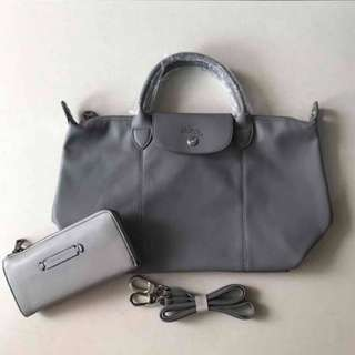 Longchamp Cuir with Longchamp Wallet with paper bag