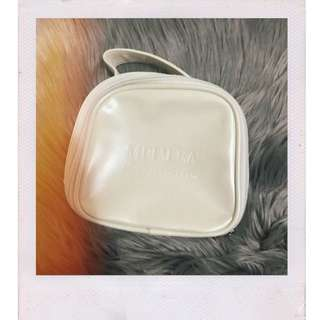 White retro leather makeup bag✨