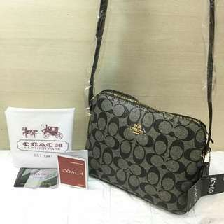 Coach sling Bag 830 Php addtl 50 if with paper bag Size:9.5x7x4