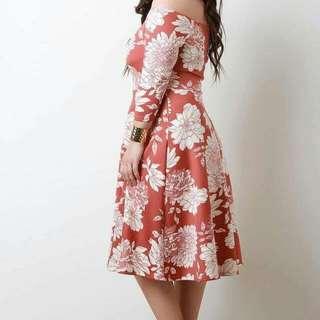 Off shoulder dress floral