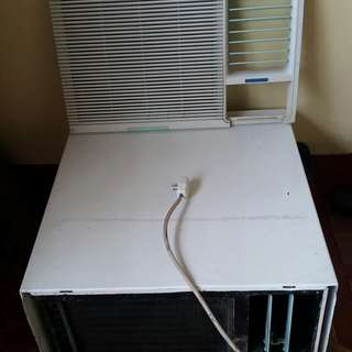 2.5 HP Window Type Carrier Aircon