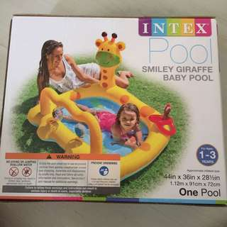 Intex pool - smiley giraffe