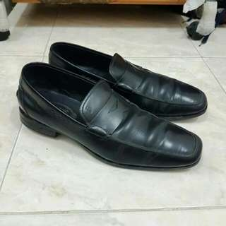 Tods Black Loafer size 9 original authentic not gucci hermes bally