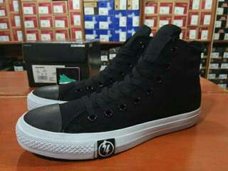 Converse chuck taylor undefeated