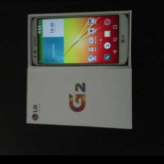 95% white colour LG g2 d802 32gb, full set with case.